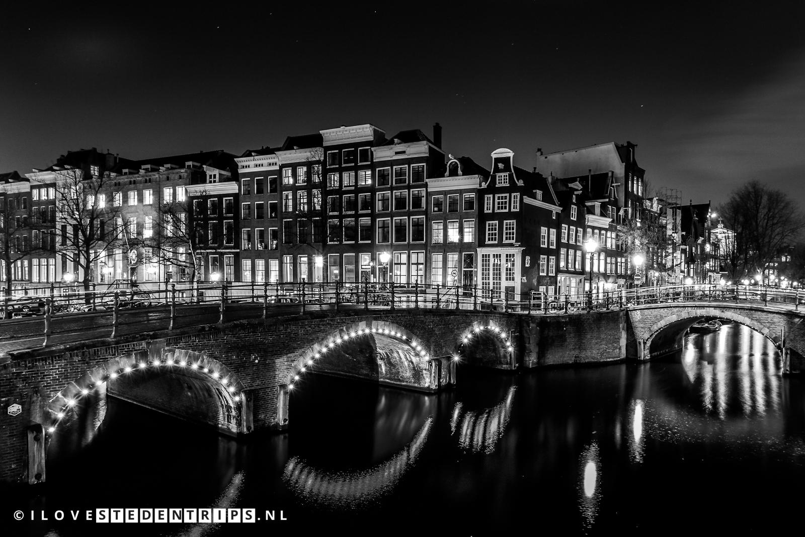 Keizersgracht en Reguliersgracht in Amsterdam